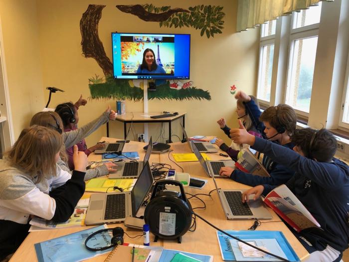 Lagrådsremiss om fjärrundervisning, coronaeffekt på fjärrundervisningen och skolans digitala arbetsmiljö